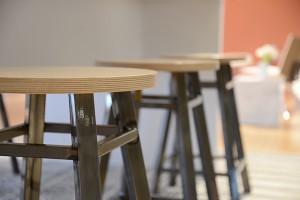 17 640x480 versteel detail stools 01 DSC 2178